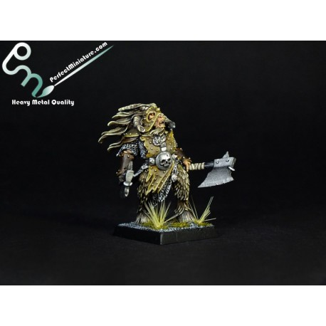 Beastmen Beastlord with Two Hand Weapons (1 figure)